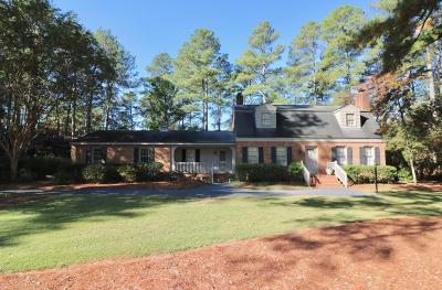 Southern Pines Single Family Home For Sale: 104 Canterbury Road