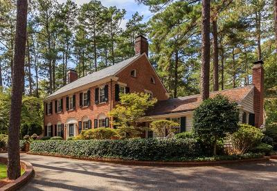 Southern Pines Single Family Home For Sale: 120 N Highland Road