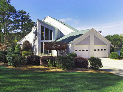 Aberdeen, Cameron, Carthage, Eagle Springs, Eastwood, Foxfire, Jackson Springs, Lakeview, Pinebluff, Pinehurst, Robbins, Seven Lakes, Southern Pines, Vass, West End, Whispering Pines, Woodlake Single Family Home For Sale: 105 Gordon Point