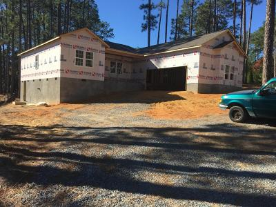 Southern Pines Single Family Home For Sale: 111 Triple Crown Circle