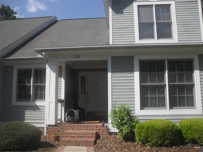 Southern Pines Condo/Townhouse For Sale: 175 Knoll Drive