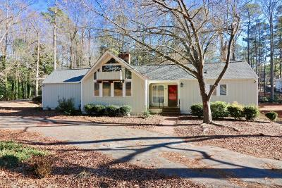 Moore County Single Family Home For Sale: 10 Inverness Road