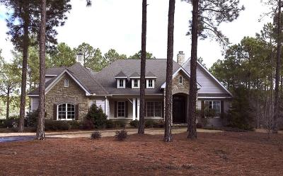 Southern Pines Single Family Home For Sale: 215 Kings Ridge Court