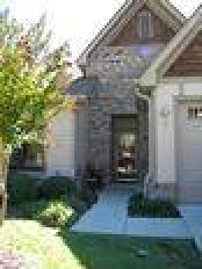 Southern Pines Condo/Townhouse For Sale: 9 Elk Ridge Drive