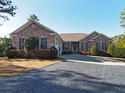 Moore County Single Family Home For Sale: 102 Douglas Drive