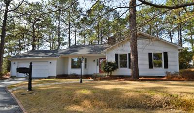 Southern Pines Single Family Home For Sale: 300 Central Drive