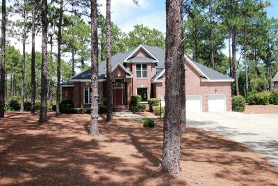 Southern Pines Single Family Home For Sale: 15 Plantation Drive