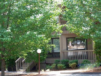 Foxfire Condo/Townhouse For Sale: 421 Foxcroft Circle
