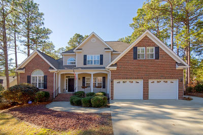 Southern Pines Single Family Home For Sale: 420 Elk Rd