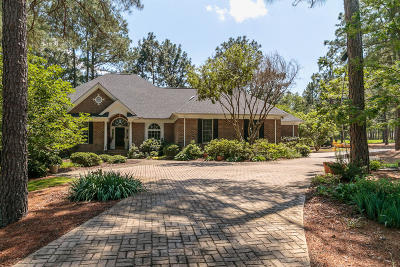 Pinewild Cc Single Family Home Active/Contingent: 41 Whitehaven Drive