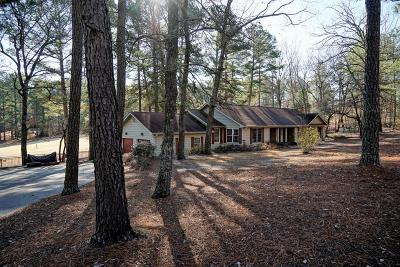 Foxfire Single Family Home Active/Contingent: 2 Magnolia Circle
