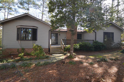 Southern Pines Single Family Home For Sale: 145 One Down Street
