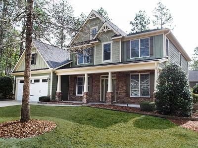 Southern Pines Single Family Home For Sale: 2 Laurel Valley Court