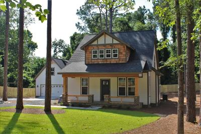 Southern Pines Single Family Home For Sale: 570 Clark Street