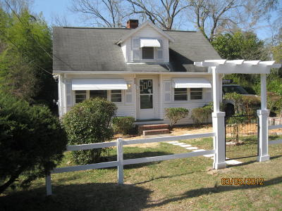 Southern Pines Single Family Home For Sale: 450 W New Hampshire Avenue