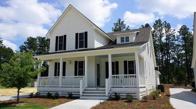 Southern Pines Single Family Home For Sale: 286 Manning Square