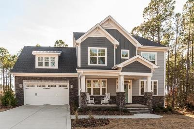 Southern Pines Single Family Home For Sale: 104 Plantation Drive