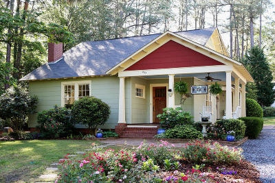Southern Pines Single Family Home Active/Contingent: 235 N Ridge Street