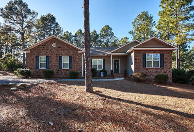 Southern Pines Single Family Home For Sale: 274 Brooks