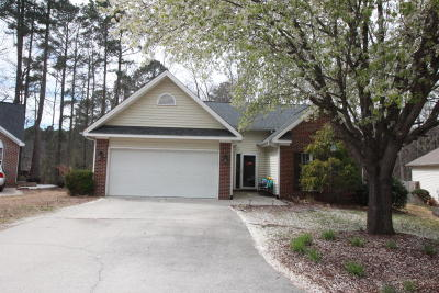 Moore County Single Family Home Active/Contingent: 142 Kensington Way