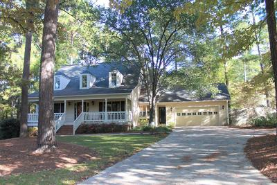 Southern Pines Single Family Home For Sale: 215 W Hedgelawn Way Way