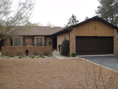 Southern Pines Condo/Townhouse For Sale: 707 Burlwood Drive