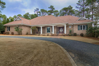 Moore County Single Family Home For Sale: 145 Hearthstone Road