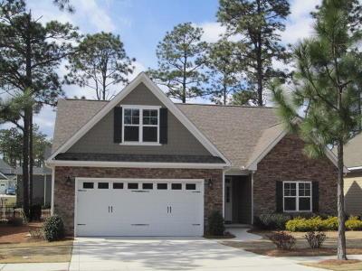 Southern Pines Single Family Home For Sale: 125 N Bracken Fern Lane