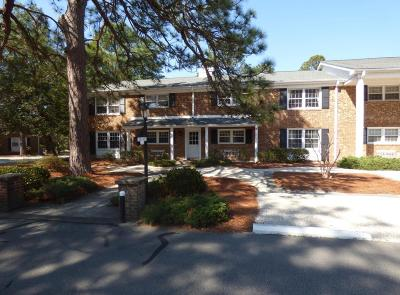 Southern Pines Condo/Townhouse For Sale: 351 Driftwood Circle #B