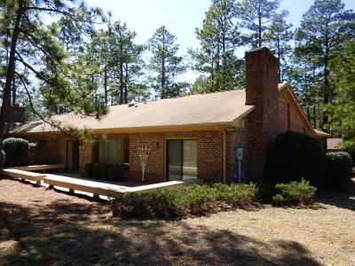 Southern Pines Condo/Townhouse For Sale: 725 Burlwood Drive
