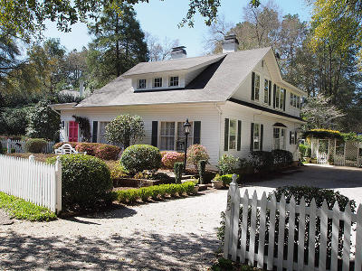 Pinehurst, Southern Pines Single Family Home For Sale: 25 Maple Road