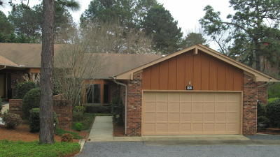 Southern Pines Single Family Home For Sale: 663 Redwood Drive