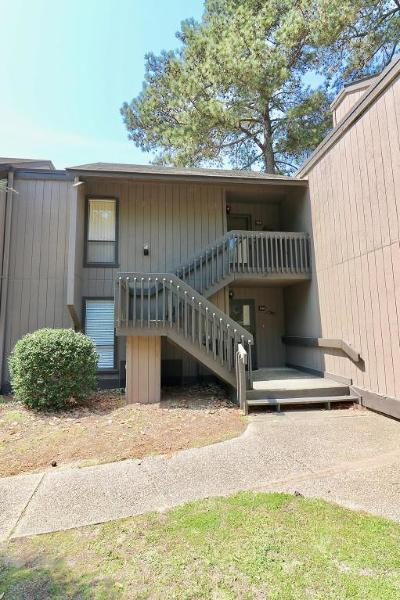 Moore County Condo/Townhouse Active/Contingent: 5 Pine Tree Road #206 B