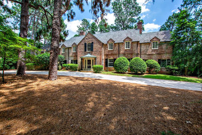 Southern Pines Single Family Home For Sale: 155 N Highland Road