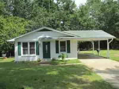 Southern Pines Single Family Home Active/Contingent: 111 Holiday Street