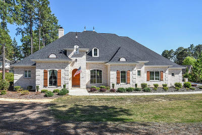 Southern Pines Single Family Home For Sale: 120 Eagle Point Lane