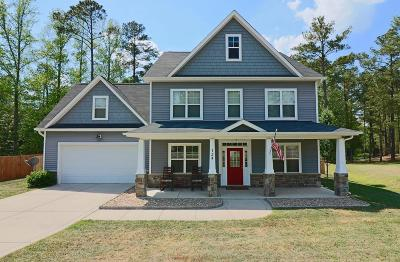 Single Family Home Active/Contingent: 124 Highgrove Court