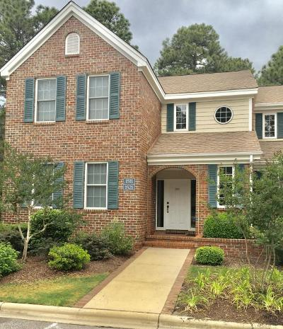 Southern Pines Condo/Townhouse For Sale: 1511 Woodbrooke Drive