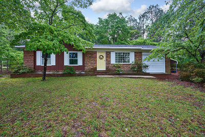 Southern Pines Single Family Home Active/Contingent: 165 Oak Drive