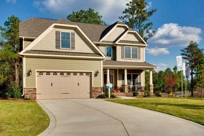 Southern Pines Single Family Home For Sale: 105 Aster Court