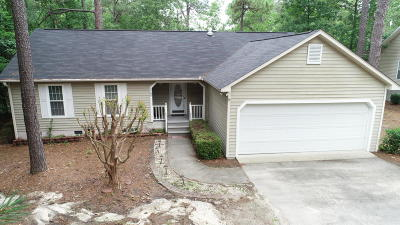 Moore County Single Family Home For Sale: 2180 Longleaf Drive