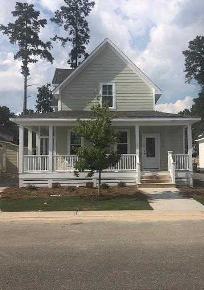 Southern Pines Single Family Home For Sale: 420 Manning Square