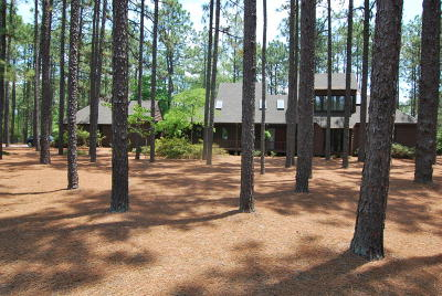 Southern Pines Single Family Home For Sale: 155 Cardinal Road