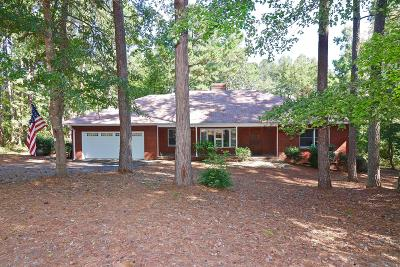 Moore County Single Family Home For Sale: 61 Cardinal Drive
