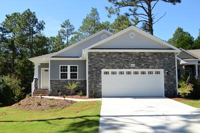 Southern Pines Single Family Home For Sale: 124 Triple Crown Circle
