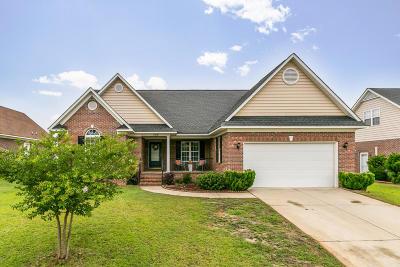 Fayetteville Single Family Home For Sale: 3438 Beckford Lane