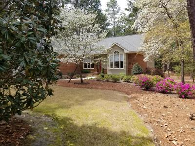 Southern Pines Single Family Home Active/Contingent: 11 Scots Glen Drive