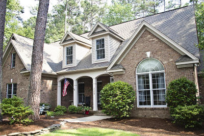 Southern Pines Single Family Home For Sale: 320 W Hedgelawn Way