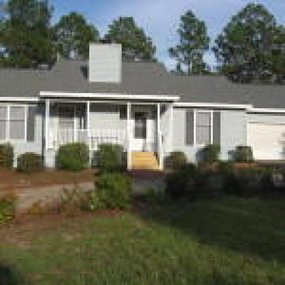 Moore County Rental For Rent: 112 Oakcrest Court