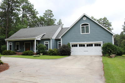 Moore County Single Family Home For Sale: 802 Robinwood Road